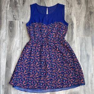 Women's floral sweetheart neckline dress